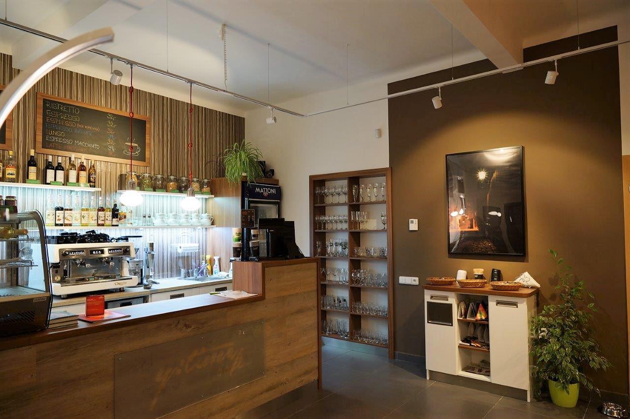 restauracni-a-barovy-nabytek-sortiment-03